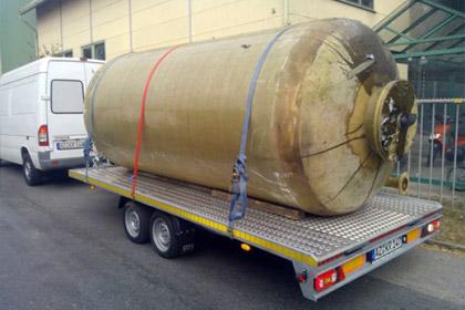 Geschäftsauflösung alter Tank wird entsorgt